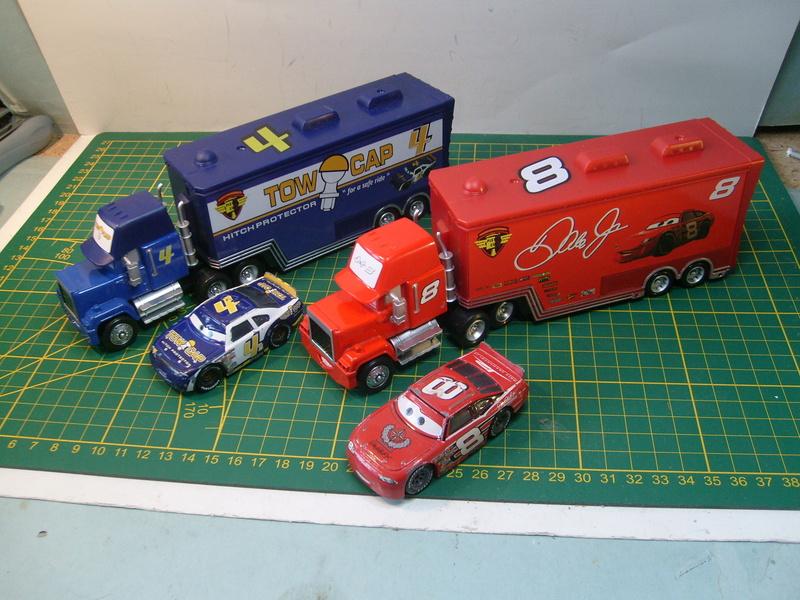 mes autres Cars 1 , 2 , 3 et Planes !!! toutes marques et matieres - Page 16 S7309734