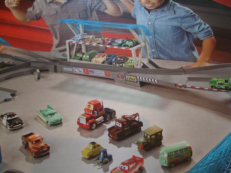 mes autres Cars 1 , 2 , 3 et Planes !!! toutes marques et matieres - Page 16 S7309782