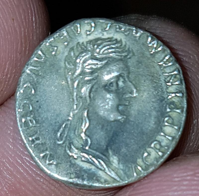 Moneda tipo Denario. Caligula y Agripina 20180114
