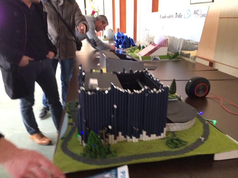 Maquettes de pavillons du Futuroscope par Nicoland - Page 2 Img_7111