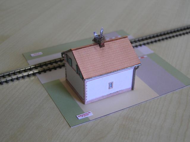 Quelques montages papier de batiments. P4180011