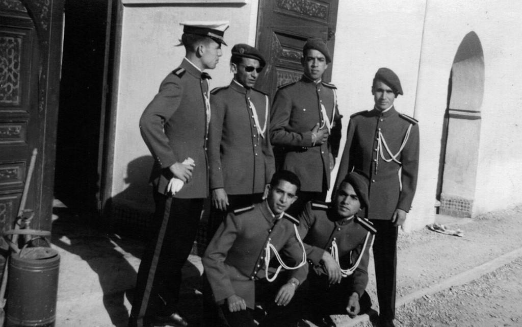 Les Officiers de la promotion Mohammed V - 1956/57 Clipbo19