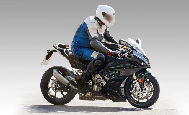 BMW préparerait une nouvelle S1000RR pour 2019... 07261711