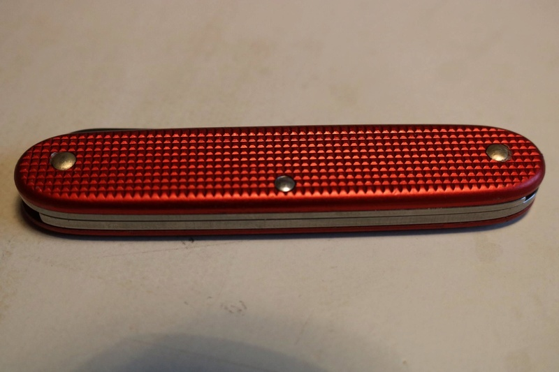 Mes 91mm rouge et ALOX 93 mm ( Victorinox ) -- ( Philippe ) 23847510