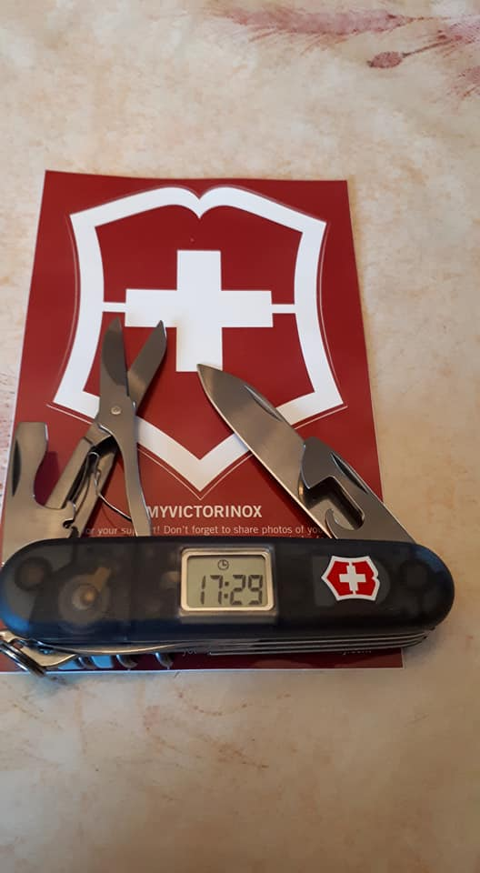 Mes 91mm rouge et ALOX 93 mm ( Victorinox ) -- ( Philippe ) 26903710