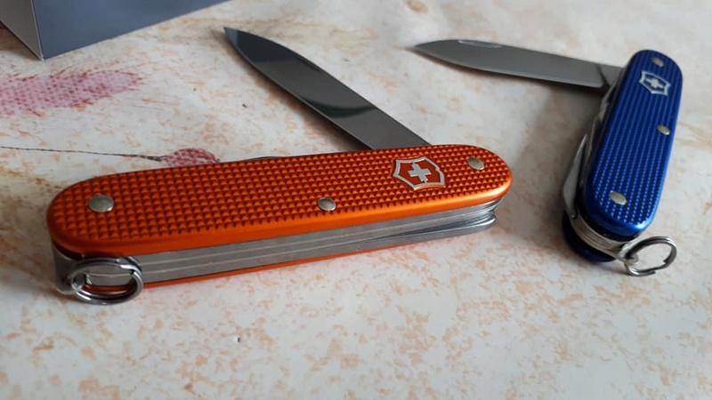 Mes 91mm rouge et ALOX 93 mm ( Victorinox ) -- ( Philippe ) 32207410
