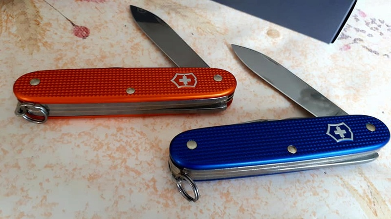 Mes 91mm rouge et ALOX 93 mm ( Victorinox ) -- ( Philippe ) 32280210