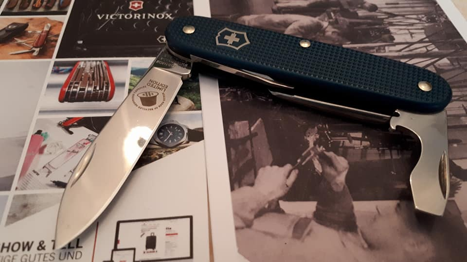 Mes 91mm rouge et ALOX 93 mm ( Victorinox ) -- ( Philippe ) 33711410