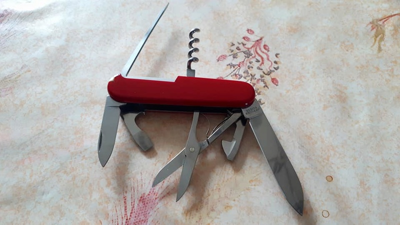 Mes 91mm rouge et ALOX 93 mm ( Victorinox ) -- ( Philippe ) Climbe11