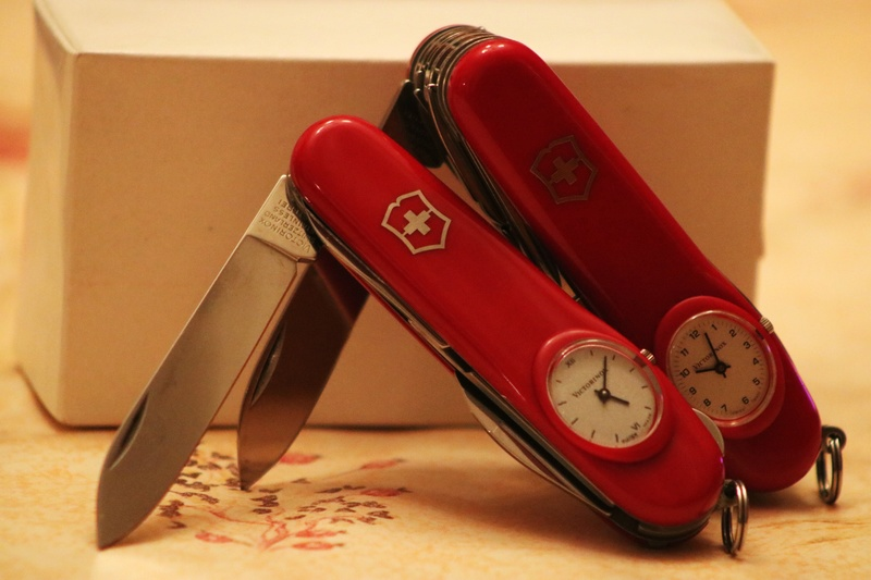 Mes 91mm rouge et ALOX 93 mm ( Victorinox ) -- ( Philippe ) Img_8711