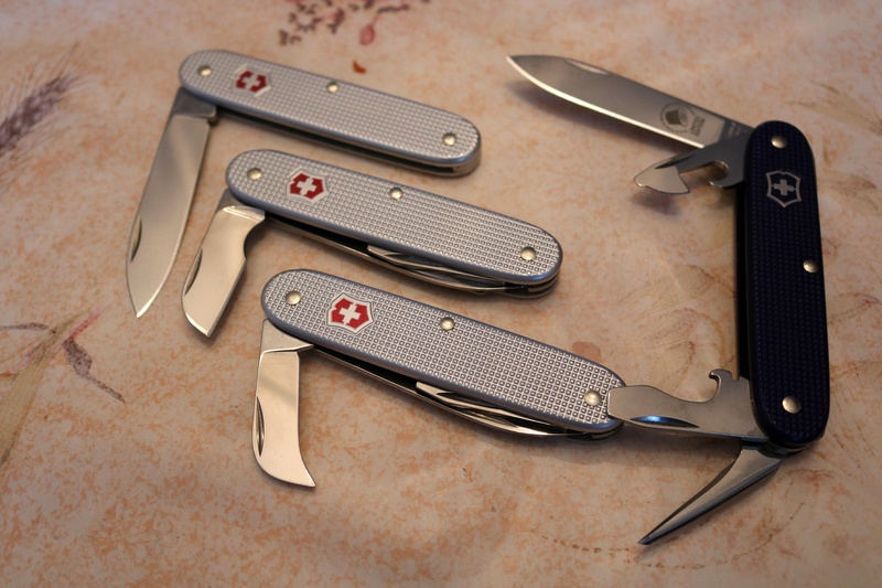 Mes 91mm rouge et ALOX 93 mm ( Victorinox ) -- ( Philippe ) Img_8812