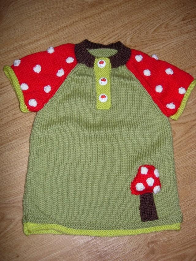 un ensemble tunique/caleçon/béret pour un bébé  La_tun11