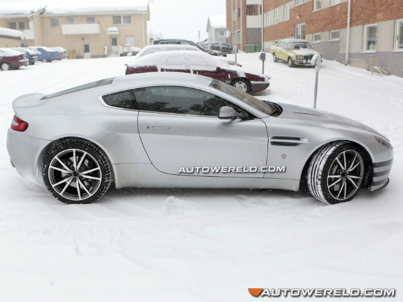 2011 - [Aston Martin] Vantage restylée 03241212