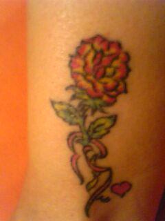 Avez-vous un tatouage au bas du dos ? Pictur10