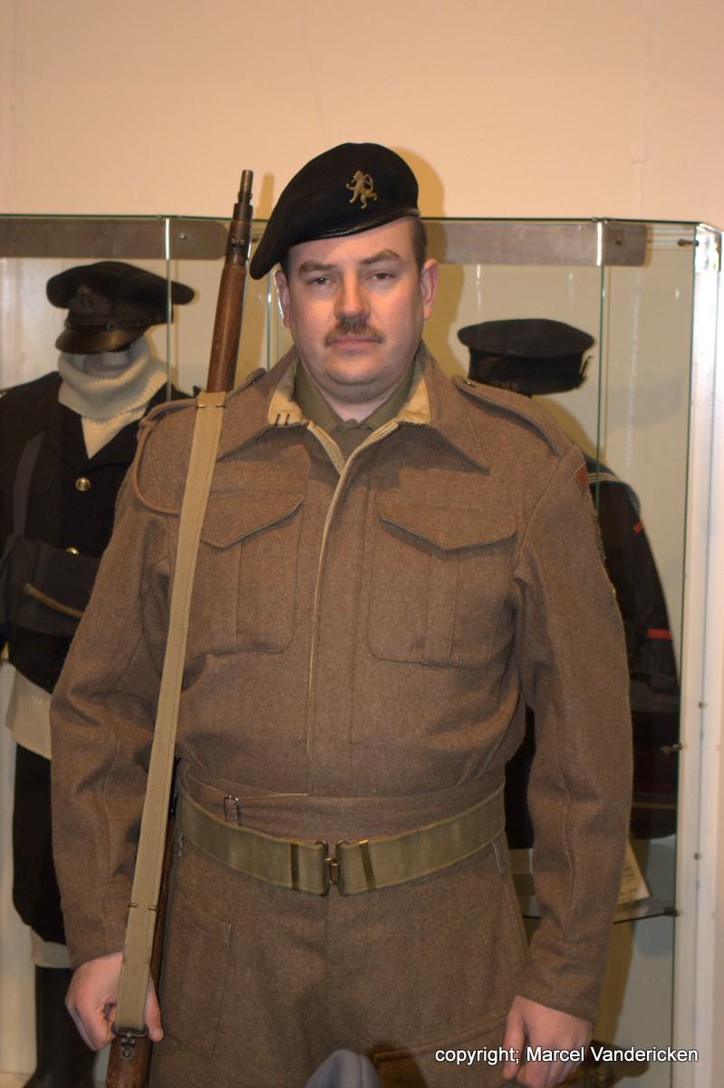 Nocturne 2010 au Musée Royal de l'Armée - Page 4 Sg1l1319