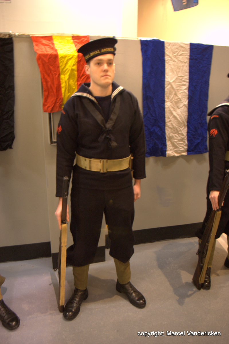 Nocturne 2010 au Musée Royal de l'Armée - Page 4 Sg1l1321