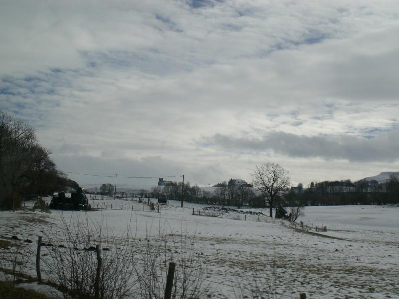 Février sous la neige à Allanche Cimg6212