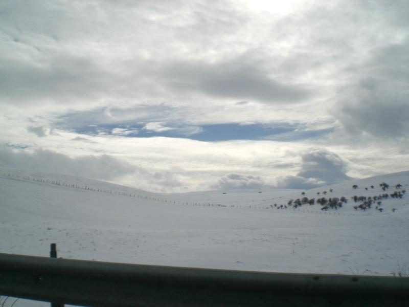 Février sous la neige à Allanche Cimg6215