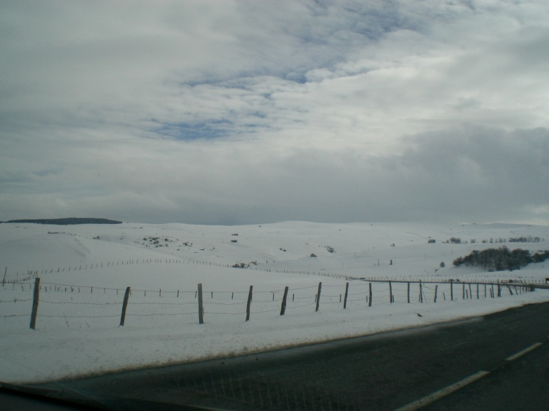 Février sous la neige à Allanche Cimg6216