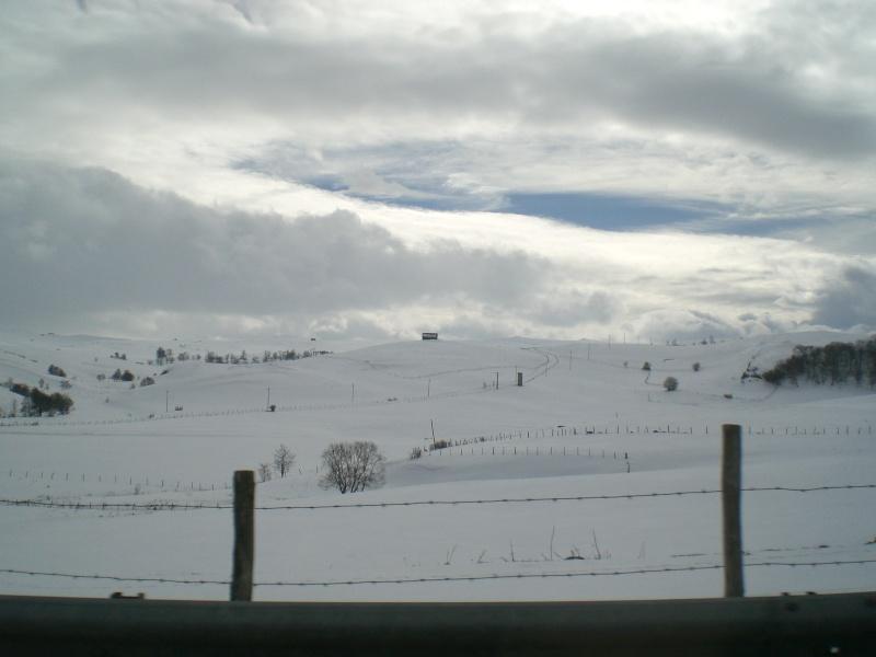 Février sous la neige à Allanche Cimg6218