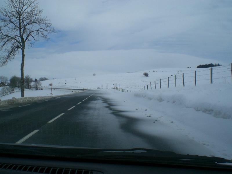 Février sous la neige à Allanche Cimg6219