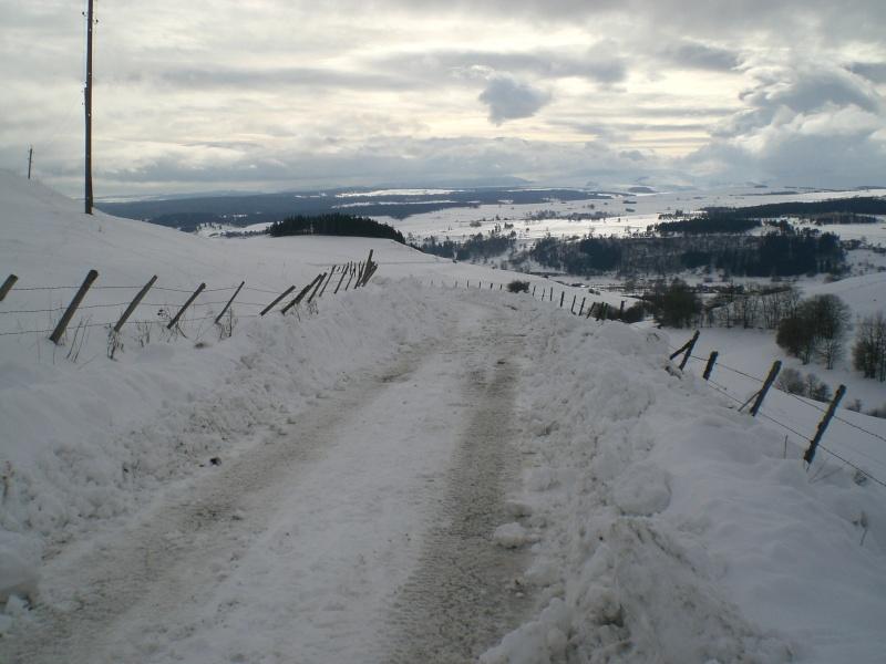 Février sous la neige à Allanche Cimg6230