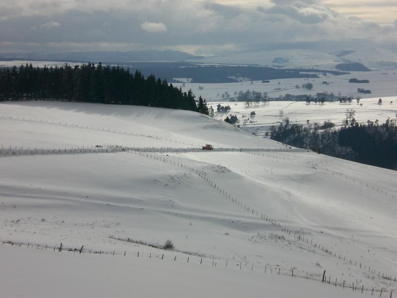 Février sous la neige à Allanche Cimg6231