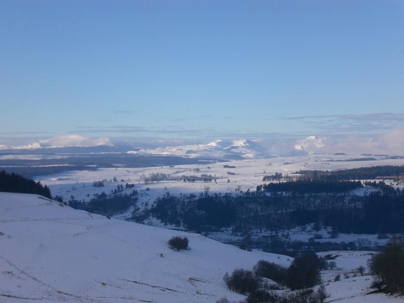 Février sous la neige à Allanche Cimg6317