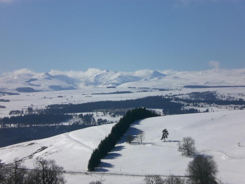 Février sous la neige à Allanche Cimg6323