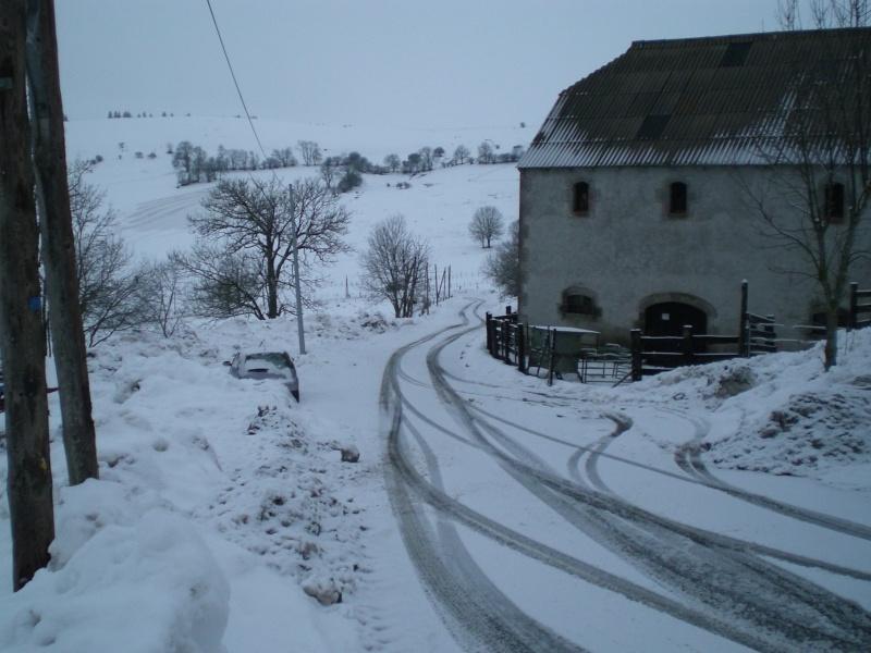 Février sous la neige à Allanche Cimg6333