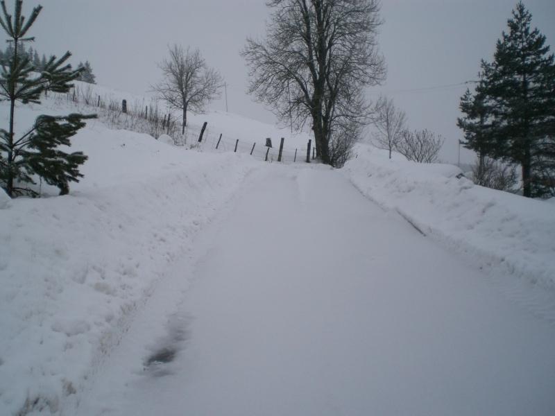 Février sous la neige à Allanche Cimg6335