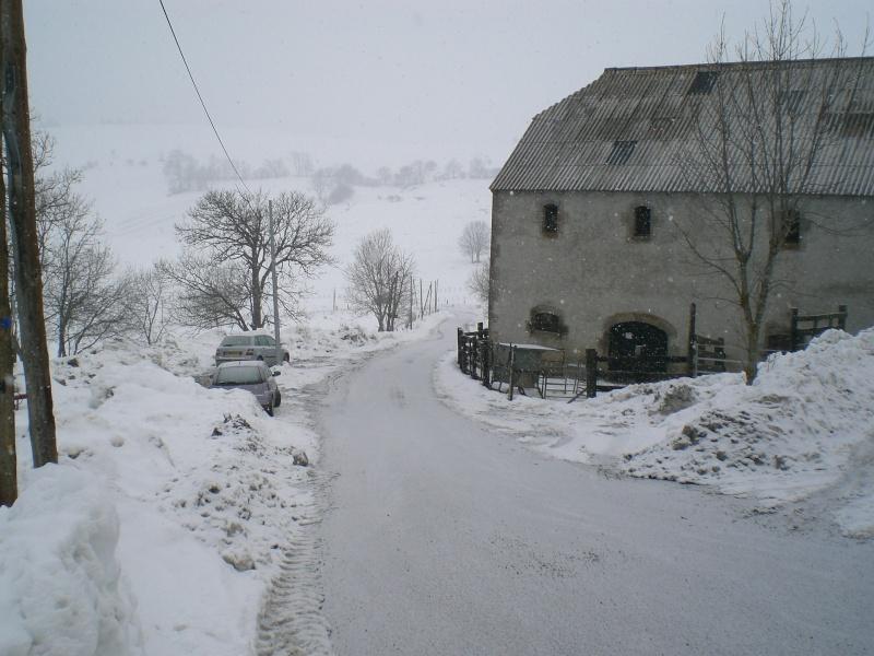 Février sous la neige à Allanche - Page 2 Cimg6346