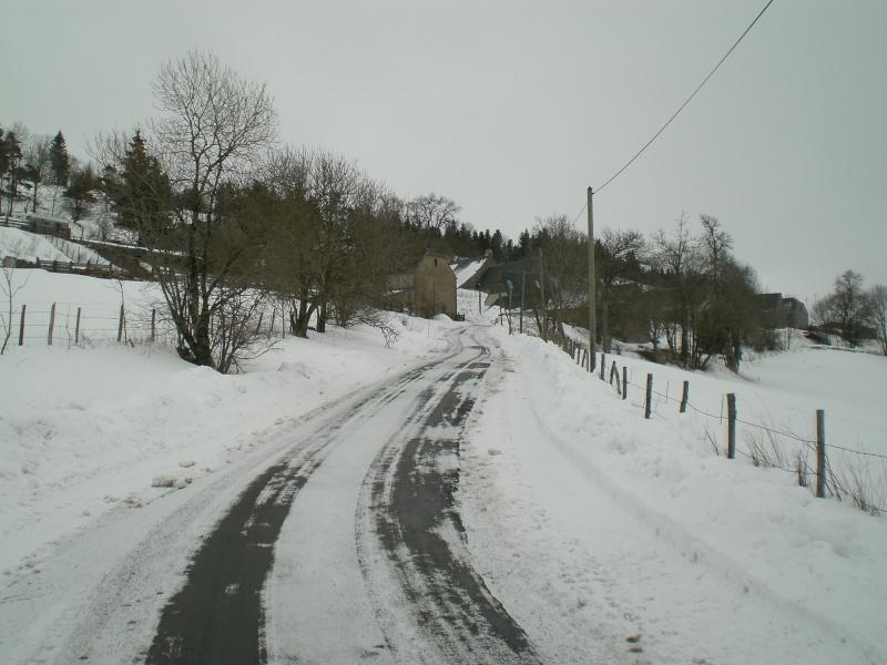 Février sous la neige à Allanche - Page 2 Cimg6410