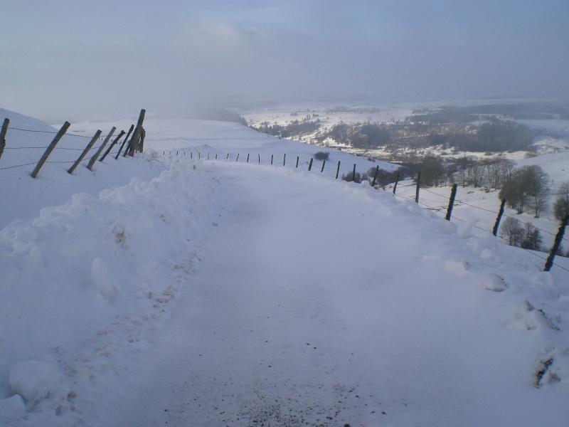 Février sous la neige à Allanche - Page 2 Cimg6429