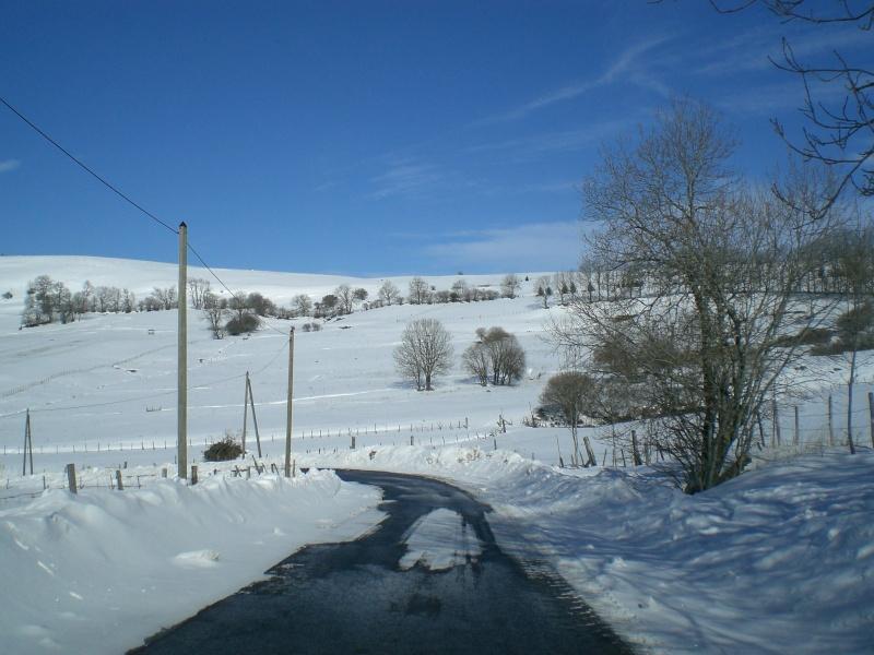 Février sous la neige à Allanche - Page 2 Cimg6433