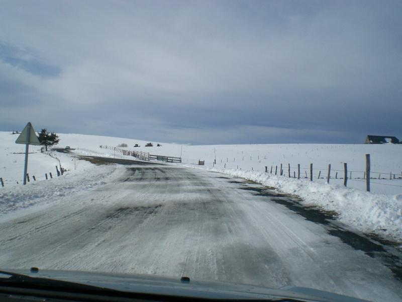 Février sous la neige à Allanche - Page 2 Cimg6435