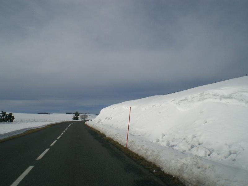 Février sous la neige à Allanche - Page 2 Cimg6436