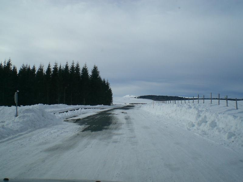 Février sous la neige à Allanche - Page 2 Cimg6438