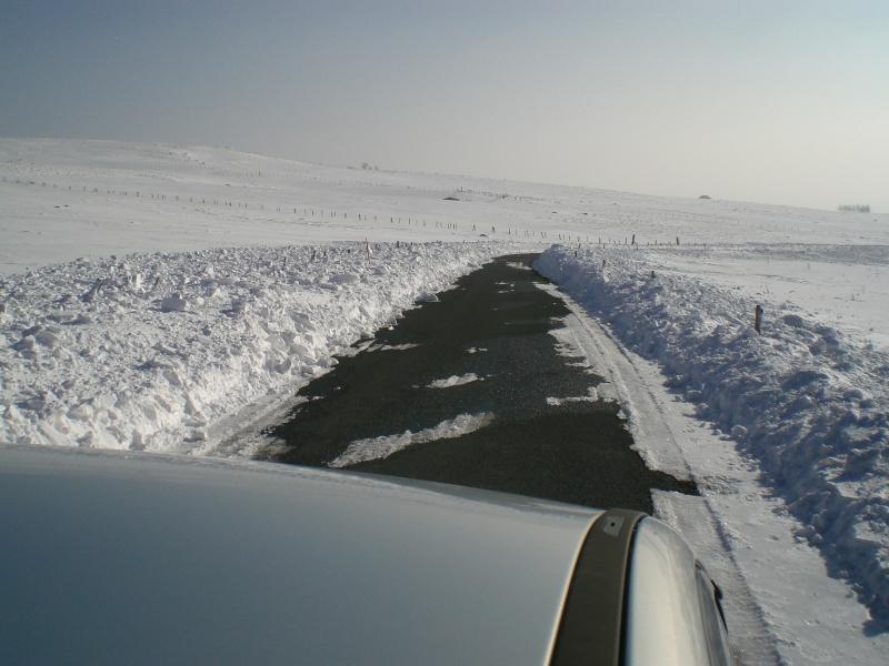 Le cézallier en Mars 2010 Cimg6830