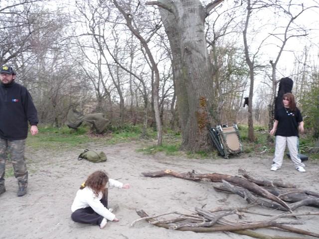 Léa, Jessica, Charly et Philippe en Camargue Bois10