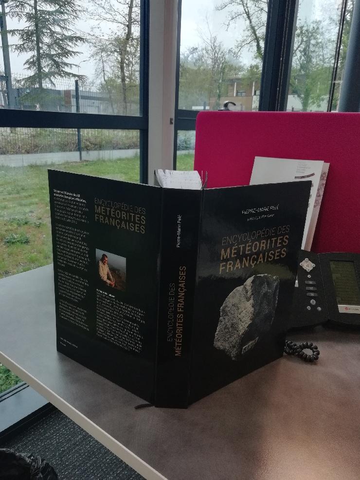 Encyclopédie des météorites françaises - Page 2 Thumbn12
