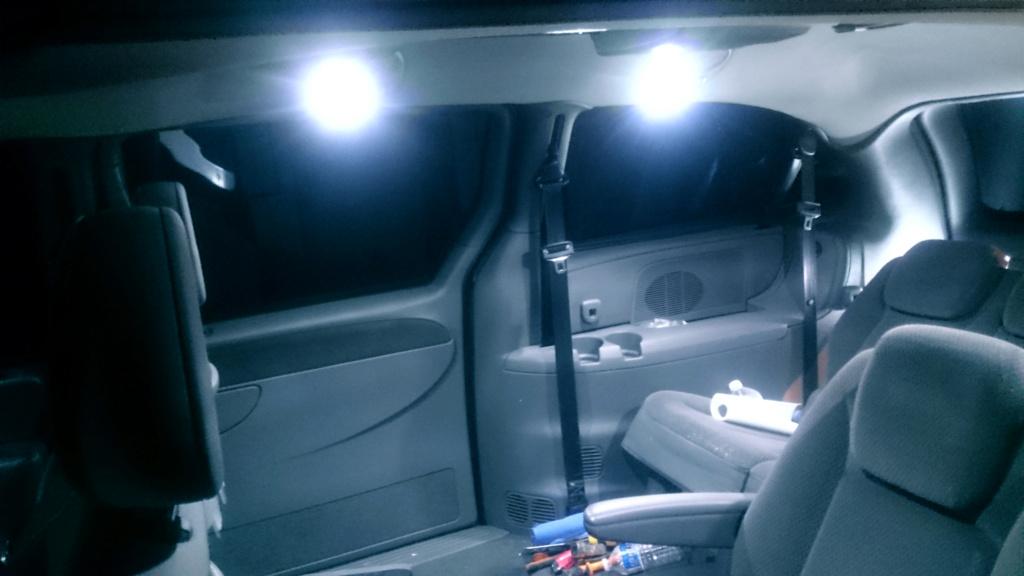 [TUTO OU ASTUCE] Remplacer les ampoules T10 de la console centrale par des LEDS T10led24