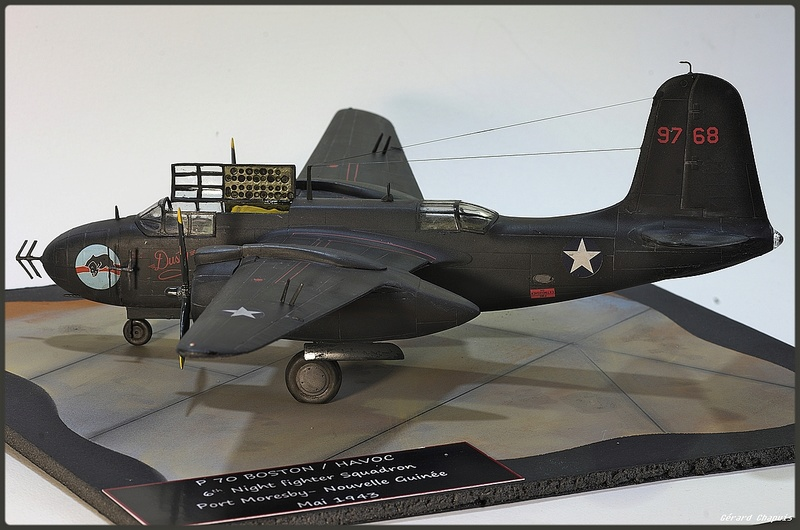 [Revell] 1/72 P 70 Boston Night fighter Imgp8927