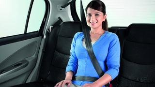 Le port de la ceinture à l'arrière des voitures désormais obligatoire Ceintu10