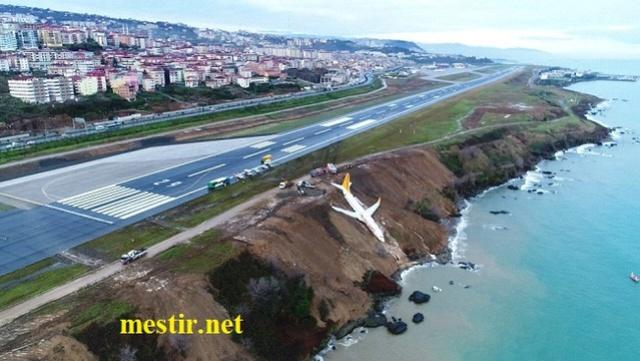 Turquie : un Boeing achève son atterrissage sur une falaise de la mer Noire Dtfiv_10
