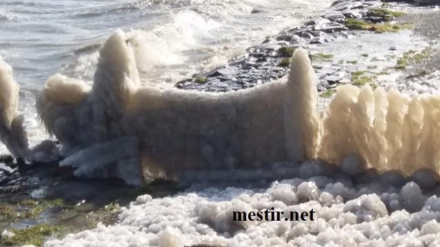 Des paysages de glace autour du lac Theljj10