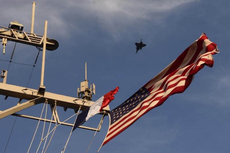 Déploiement Chesapeake : l'aéronavale va s'entraîner aux Etats-Unis  16102510