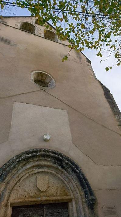 Les autorités et les élites françaises déchirent, morceau par morceau, l'héritage historique, religieux et culturel du pays Dsc_0014
