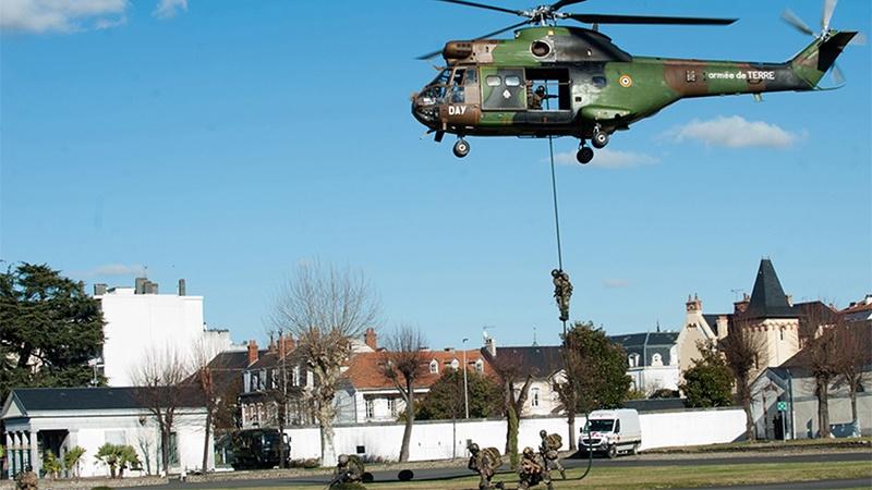 Des hélicoptères de l'armée de terre survolent Tarbes et la Bigorre ce mercredi Tarbes12