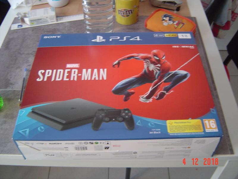 Notre PS4 ! Et ouais ! Dsc05710
